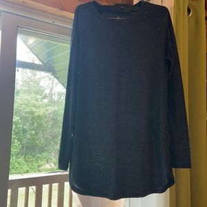 Classic Roots long sleeve tunic top